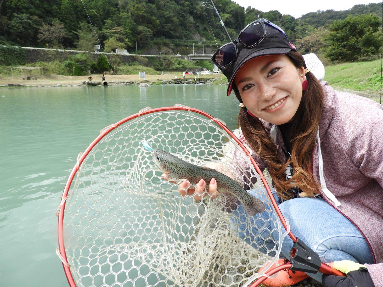 明日の爆朝は、コラボルアー企画第3弾・トラウトルアーを使った試釣会の様子をレポート!