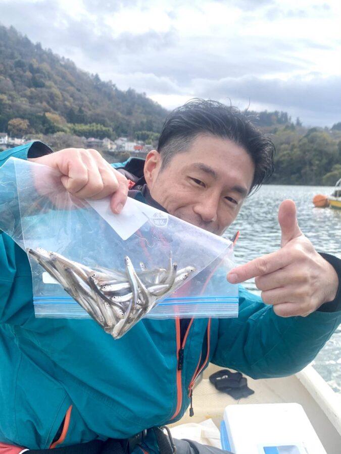 愛甲郡・石井様〜津久井湖/ワカサギ6-10cm79匹〜